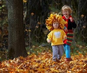 Чем заняться с ребенком осенью: 10 идей для родителей